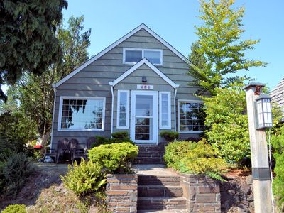 Photo for GARTEN HAUS - MCA 762A - Charming cottage located 6 blocks to the beach!
