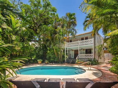"Photo for ~ SEA CONCH ~ NEW Gorgeous ""Old Town"" Apt w/ Shared Pool in Perfect Location!"