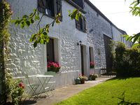 It is a very nice cottage in a very calm location. It does have an ambiance. Gar ...