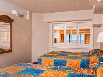 Photo for Beautiful Oceanfront 1 Bedroom Suite + Official On-Site Rental Privileges
