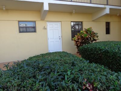 Photo for Hollywood Beach Hidden Gem! Large efficiency,1st floor & parking by north door.