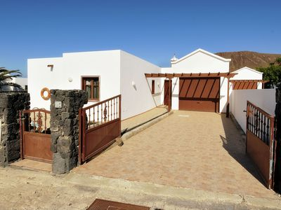 Photo for Detached villa with private pool, all ground floor and with nice terrace