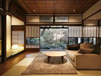 Wonderful house in a very nice and quiet district in Kyoto. We have been warmly welcome and helped.