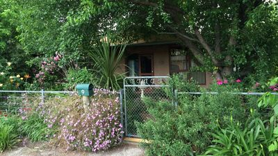 Photo for Country Garden Cottage Tocumwal home in quiet area