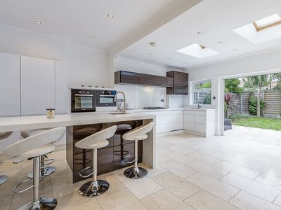 Photo for Set in the iconic Wimbledon area lays this Victorian home is ideal(veeve)