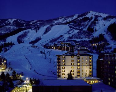 Sheraton Steamboat 2BR, 2BA Villa For New Years Week! (100% Ski-in & Ski-Out)