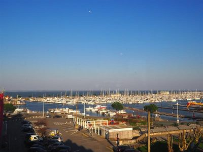 Photo for ARCACHON APARTMENT T3 WITH TERRACE AND SEA VIEW 6 BEDS