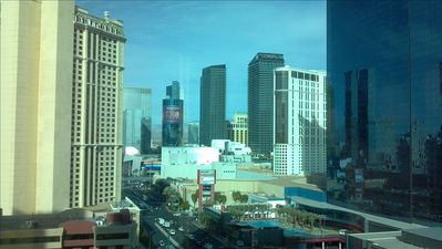 Super views from 15th floor strip side!
