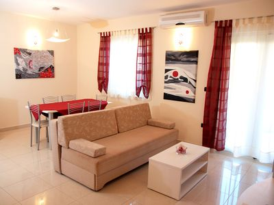 Photo for LEVANTE - 2 bedrooms app. in Medulin