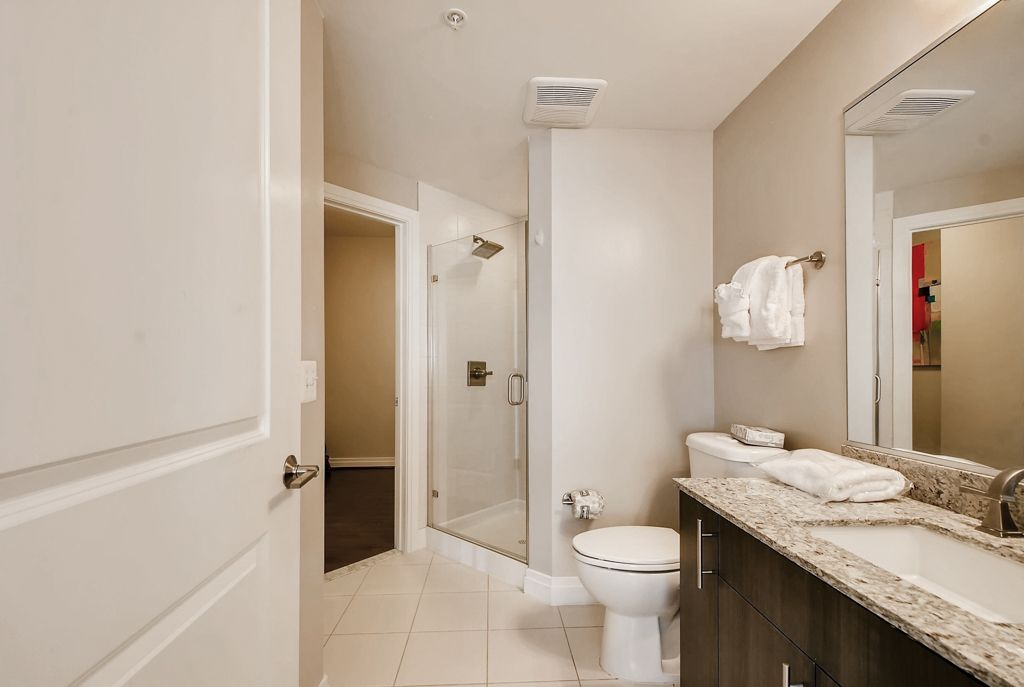 Beautiful & Spacious 2BD Reston w/Pool