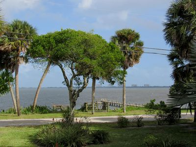 Photo for 3BR private house with gorgeous view of the Intercostal w/ dock and roof deck.