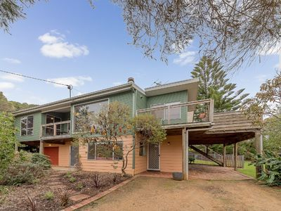 Photo for 14 Beach Court, Smiths Beach