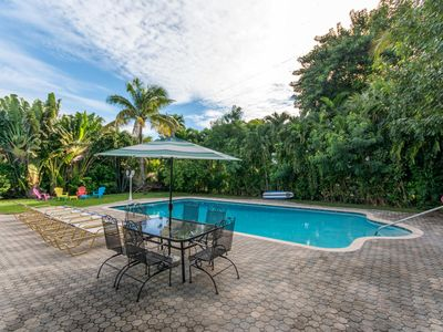 Photo for Walk to the Beach~Huge Pool~Prime Location~Walk to Rest's, Las Olas, Night Life!