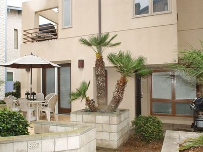 Photo for Two bed two bath condo in South Mission Beach, walking distance to ocean.