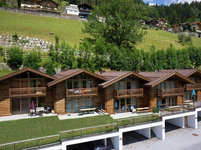 Photo for Luxurious drive in chalet for 10 persons with sauna!