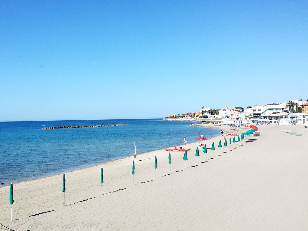 Attic Sea View In The Center Of The Village 50mt From The Station Santa Marinella