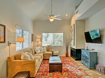 Elegant 2BR Scottsdale Condo In Gainey Ranch