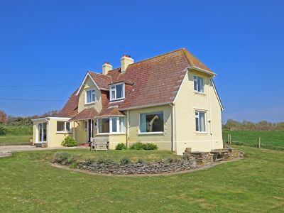 Photo for Primrose Cottage, THURLESTONE