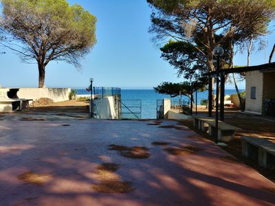 Photo for House with garden and private access to the sea