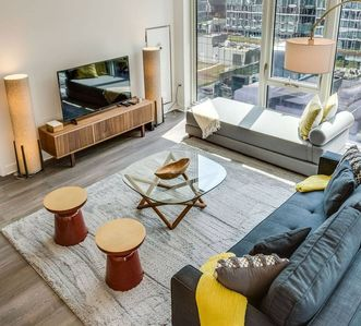 Photo for Luxury 2 Bedroom in the Heart of Chicago