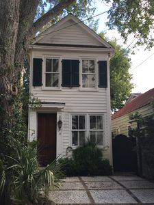 Photo for Charming Row House 2 Bedrooms with Parking and Private Patio