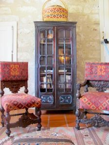 Living room / antique chairs and cupboard