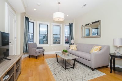 Luxury Top Floor 2 Bedroom in the heart of Boston\'s North End - North End