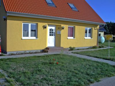 Photo for Comfortable 3 star vacation apartment on the coast of the bay