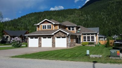 Photo for Luxurious Guest House - 2 Minutes From Revelstoke Mountain