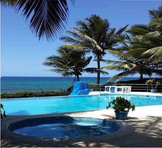 Guest-Friendly Beachfront Villa with Infinity Pool and Jacuzzi