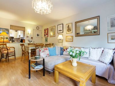 Photo for UP TO 20% OFF - Warm 2 bed home, located in exclusive Notting Hill (Veeve)
