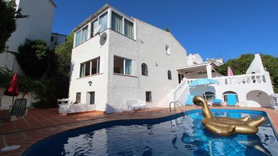 Photo for Detached house with private pool near the beach with beautiful views