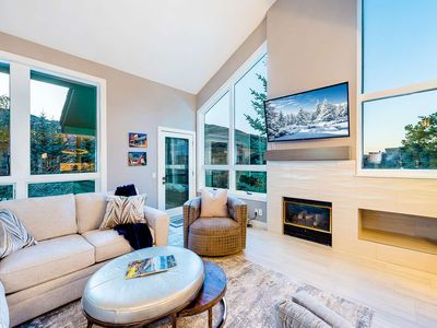 Photo for Sparkling, Newly Renovated Townhome! 3 Master Suites - CA King Beds, Gourmet Kitchen,Pool, Hot Tubs