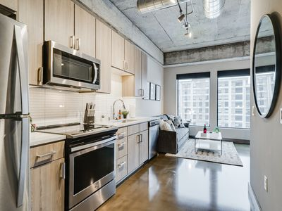 Photo for Minnestay* Sable 48 One Bedroom ♥ Shop-Drink-Dine ♥ North Loop