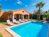 Pretty villa and excellent pool and really private. We enjoyed staying there and visiting Cal en ...