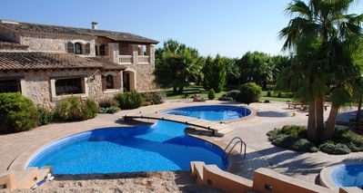 Photo for Luxury Villa With Pool & Tennis Court In The Heart Of Mallorca. Reg No: ET/3551