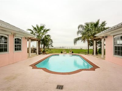 Photo for 3BR Estate Vacation Rental in Anahuac, Texas