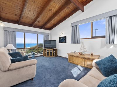 Photo for ILUKA HOUSE - OCEAN VIEWS, PICTURESQUE SURROUNDS