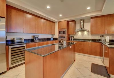 Gourmet Kitchen! Fully upgraded countertops, cabinets, and appliances!