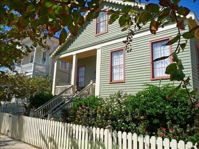 The Captain's Cottage in the heart of the East End Historic District