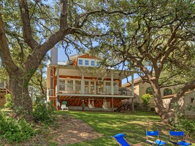 Photo for Lake LBJ Done In Style, With All The Comforts Of Home On The Open Waterfront.