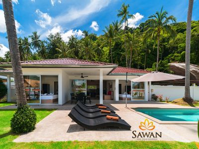 Photo for A 3-bedroom villa with a private pool and hotel service on Lamai Beach