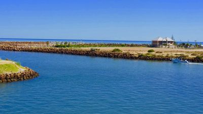Photo for Oceans Edge with Private Jetty - Busselton