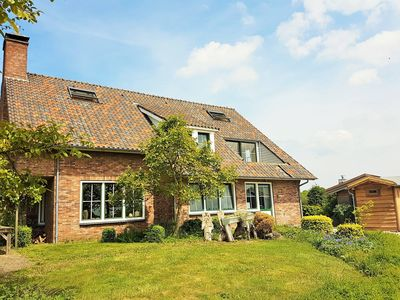 Photo for Spacious holiday home on the ground floor near Domburg and the beach.