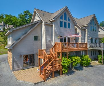 Photo for Cheerful & Inviting 3 Bedroom Home w/ Hot Tub in the heart of Deep Creek!