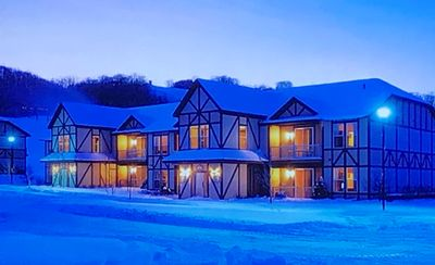 Photo for Mountain Run at Boyne Club Resort with Skiing On-site 1 Bedroom Full Kitchen