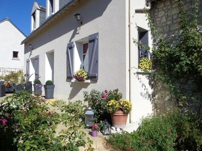 Photo for Gite Cravant-les-Côteaux, 5 bedrooms, 10 persons