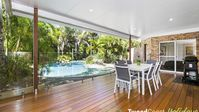 Absolutely beautiful property and swimming pool. Very clean and tidy and very well maintained.