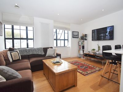 Photo for Modern 2 BR Flat in Islington!