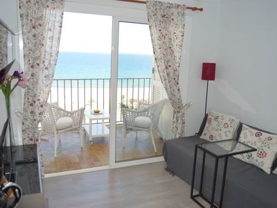 Photo for Nice studio cabin with sea views ref 188